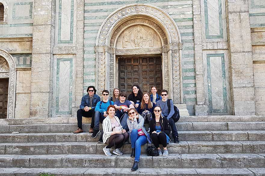 DFTV students enjoying the sites in central Rome. Photo Frances Pulford.