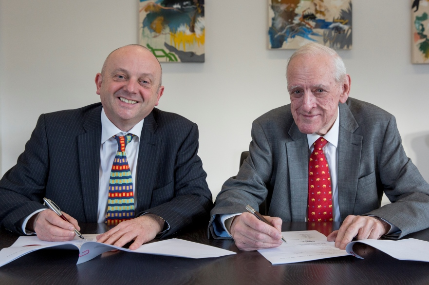 Professor Edward Peck, Vice Chancellor NTU (left) with Dr John Ellis