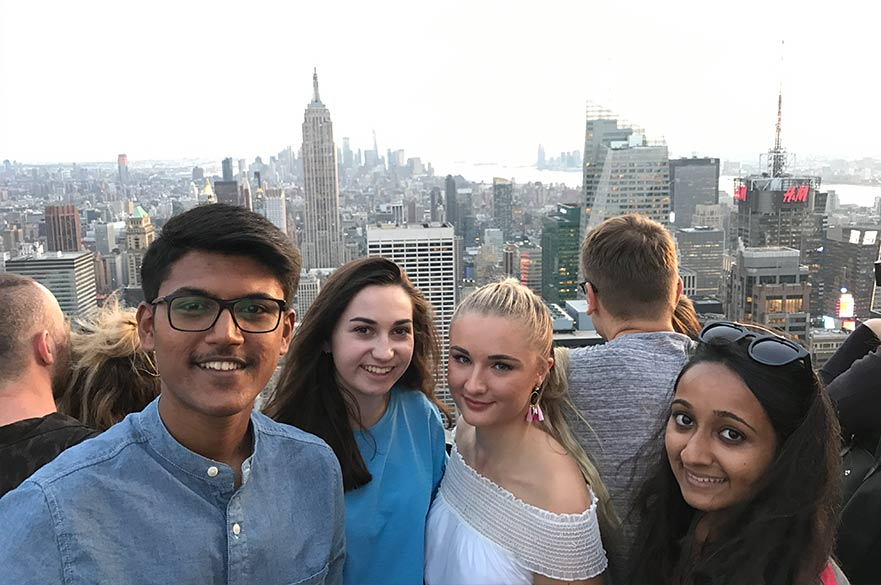 Students exploring New York. Image by Taksh.