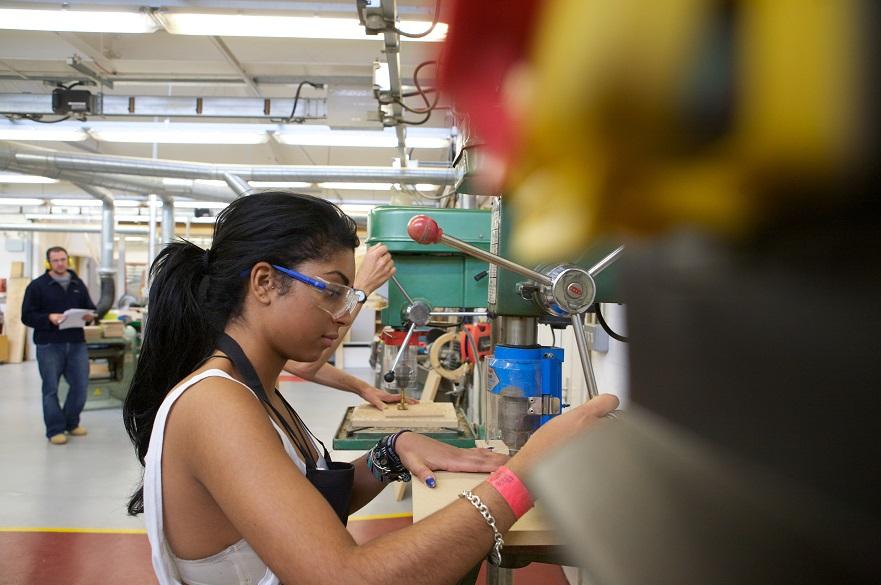 woodwork-and-metal-workshops-at-ntu