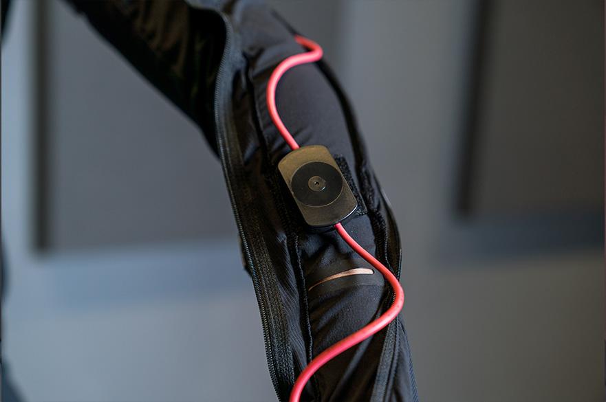Motion capture body suit