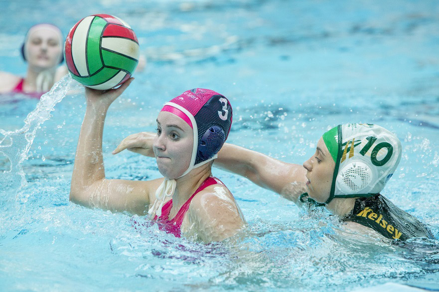 female waterpolo player
