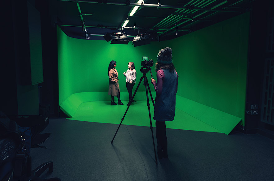 Green screen in the VFX studio