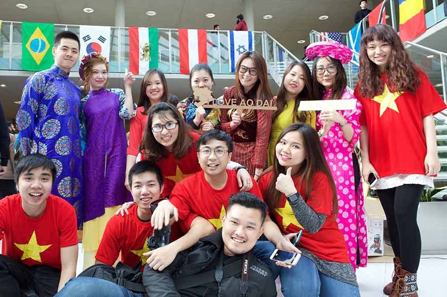 Vietnamese students at Global Week