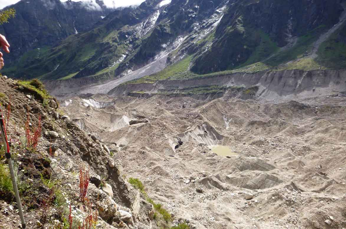 Anne Stefaniak - Leaky Lakes…the Formation and Evolution of Supraglacial Ponds on Debris-covered Glaciers