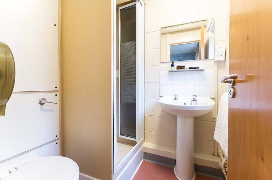 Simpsons En-Suite image