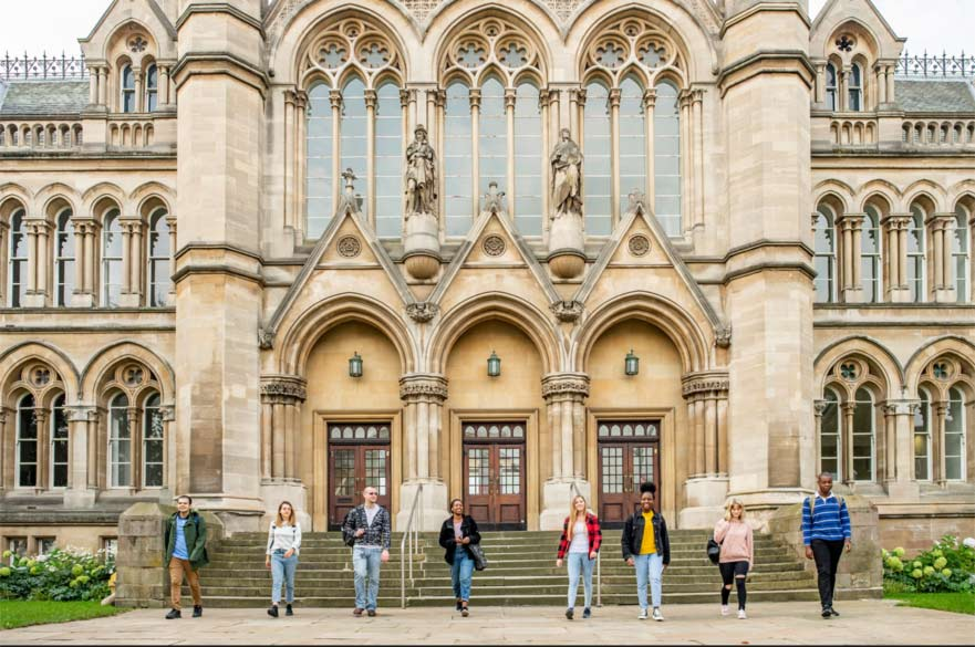 New students outside the Arkwright building