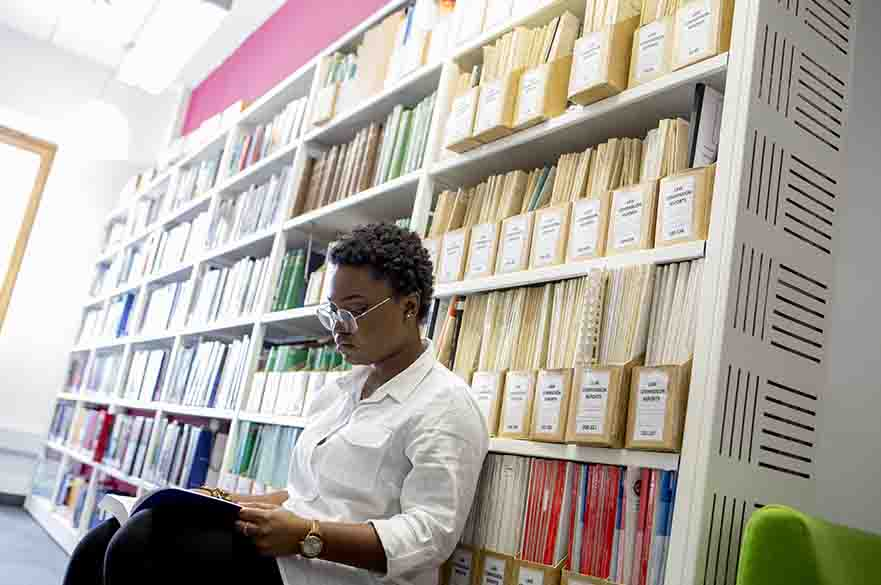 studentinibrary