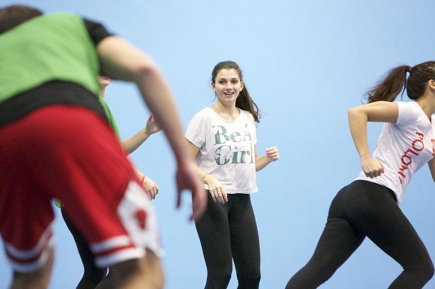 females playing handball