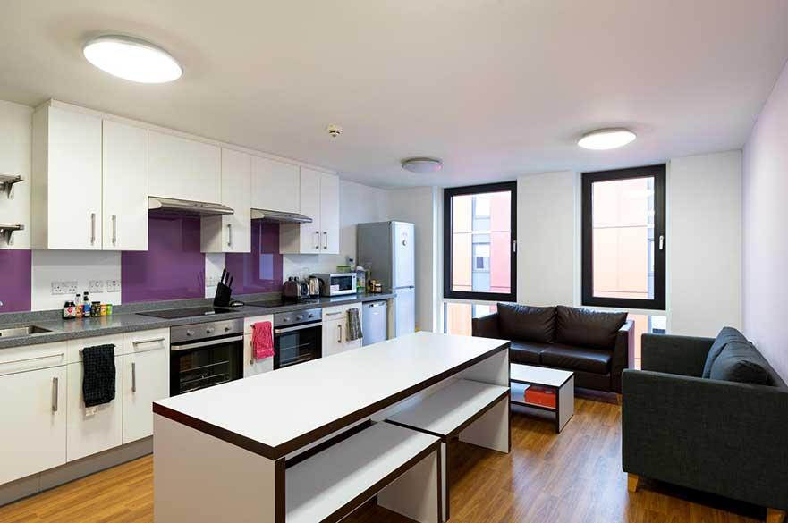 Byron Kitchen image